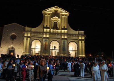 Alla presenza di S. Em. Card. Severino Poletto inaugurazione della nuova statua sulla colonna indicante l'approdo della Madonna. Inaugurazione ufficiale della nuova illuminazione esterna della Basilica. (foto Rita Marcia)