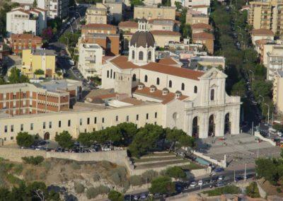 Veduta del Santuario e della Basilica dal Colle di Bonaria